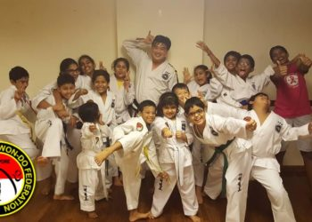 group photo taekwondo class